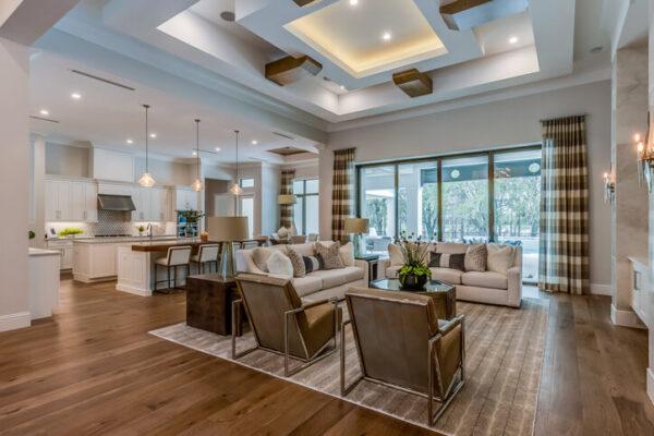 Jak zařídit obývací pokoj v luxusním stylu? Šetřete doplňky a vaďte na kvalitu